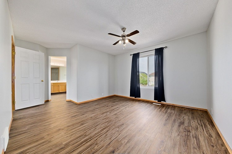 Large Master Bedroom in this Mckenzie Towne Home