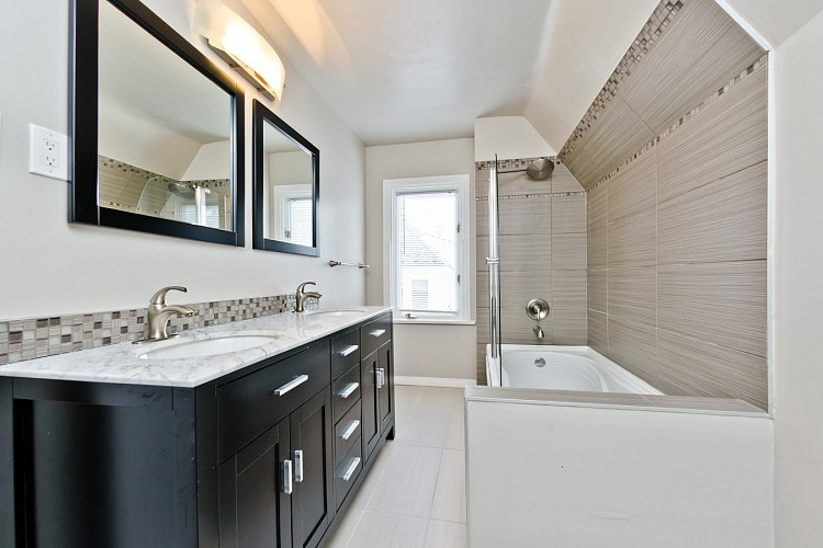 Master Ensuite in executive home for rent