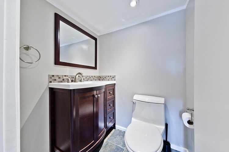 Spare bathroom in executive home for rent