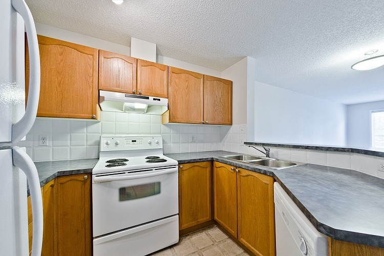Kitchen in Arbour Lake Rental