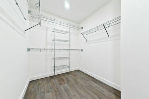 Avenue 33 - Master Bedroom Closet