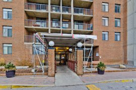 BRIGHT AND QUIET CONDO LOCATED IN DALHOUSIE! GREAT FOR STUDENTS!