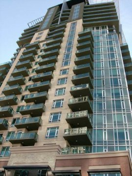 Furnished downtown #YYC condo available immediately for a mature professional