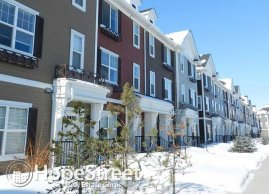 3 Bedroom Townhouse For Rent in Callaghan