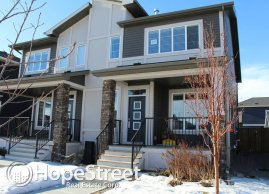 3 Bedroom Duplex for Rent in Airdrie