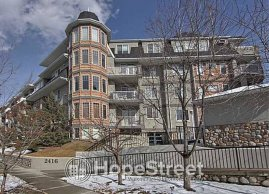 2 BR Executive Penthouse 4RENT in Erlton w/DOUBLE PARKING + HEAT & WATER INCL.