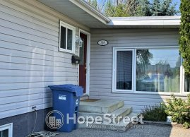 Nicely Updated 5 BED House for Rent in Cedarbrae!