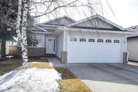 LOVELY 4 BEDROOM HOME IN SUNDANCE!!!